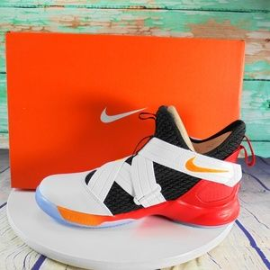 Nike Lebron James Soldier XII GS Size 6.5 Youth